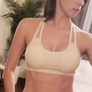 Other - Cute breathable bra with removable pads